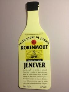 Een afgeweekt etiket van een jenever fles